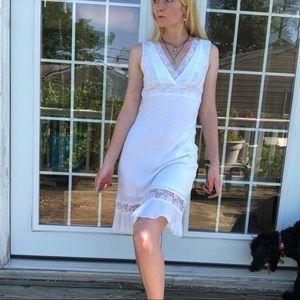White lace summer dress La Belle